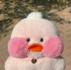 Duck Wallpaper, Cute Ducklings, Duck Toy, Little Duck, Baby Ducks, Cute Toys, Disney Toys, Wholesome Memes, Plushies