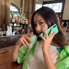 포인트는 테이프 Krystal Fx, Jessica & Krystal, Krystal Instagram, Wedding March Music, Krystal Jung Fashion, Kylie Minogue, Slim Body, Iconic Women, Korean Women