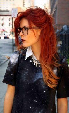 Также следует уделить особое внимание косметическим средствам, они позволят сохранить цвет и защитят волосы от воздействия внешних негативных факторов