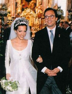 Prince von Ratibor und Corvey und zu Hohenlohe-Schillingsfürst, married Countess Clarissa zu Toerring-Jettenbach (*1965), at the St. Peter und Paul church of Winhöring (Bavaria, Germany), on July 4th 1999