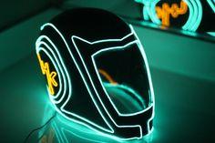 tron-helmet-4.jpg (2048×1366)