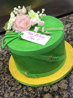 Hat box cake by Nina Notaro made with our Alligator Impression Mat, Zipper and Pull Mold & Large Buckle Mold.