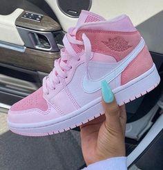 Zapatillas Nike Jordan, Tenis Nike Air, Nike Air Shoes, Cool Nike Shoes, Pink Nike Shoes, Retro Nike Shoes, Cheap Shoes, Pink Shoes Outfit, Awesome Shoes