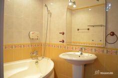 Garsoneira Regim Hotelier Zona Uniriil #garsoniera #regim #hotelier #bucuresti Corner Bathtub, Sink, Home Decor, Sink Tops, Vessel Sink, Decoration Home, Room Decor, Vanity Basin, Sinks