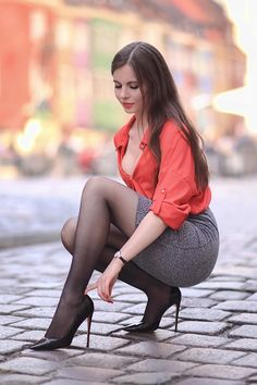 Sexy Outfits, Sexy Dresses, Cool Outfits, Women With Beautiful Legs, Looks Pinterest, Pantyhose Outfits, Nylons And Pantyhose, Look Fashion, Womens Fashion