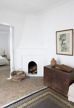 Fireplace in Villa Maroc in the Essaouira medina Interior And Exterior, Interior Design, Ideas Para Organizar, Living Spaces, Living Room, The Design Files, How To Clean Carpet, Wabi Sabi, Home And Living