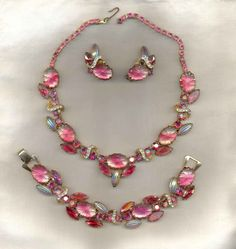 Gorgeous 1950s art glass necklace, bracelet and earrings.
