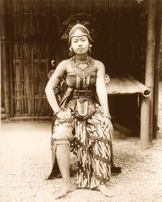 Javanese dancer, Paris Expo, 1889