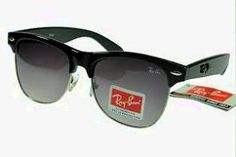 Ray Ban Clubmaster for Women are stylish eyeglasses that have stood the test of time. Buy the Cheap Ray Bans online and save money. Ray Ban Sunglasses Outlet, Cheap Sunglasses, Sunglasses Online, Oakley Sunglasses, Clubmaster Sunglasses, Live Fashion, Passion For Fashion, Fashion Shoes, Mens Fashion