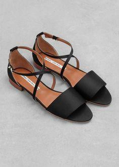 sandales noires femme, sandales plates noires femme