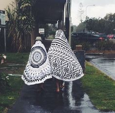 braving the wet weather #roundie style // via ahoy trader The Beach People