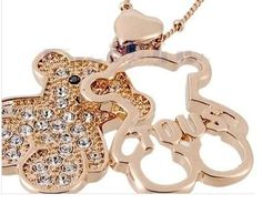a518b6b6aae3 Navidad Hermoso Collares Oso Brillante Swarovsky Banado Oro en Mercado  Libre Perú