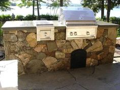 Vertical Decorative Concrete Stone And Rock Walls On