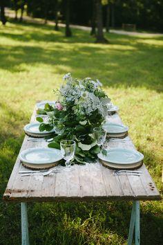 Reception décor: three ways to style your farm table