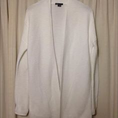Vince cardigan Excellent condition. Worn once Vince Sweaters Cardigans