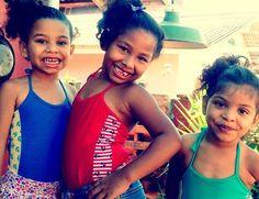 Da esquerda para a direita: Rafa, Gabi e Emily. Primeiro dia na Piscina. 2017. São Roque, SP. #abibkerngirls