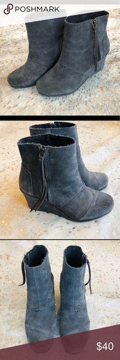 308ea2af3 Toms desert wedge gray bootie Toms desert wedge dark gray bootie in suede.  In EUC