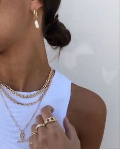 Jewelry Trends, Jewelry Accessories, Fashion Accessories, Fashion Jewelry, Fashion Necklace, Cute Jewelry, Gold Jewelry, Chunky Jewelry, Layered Jewelry