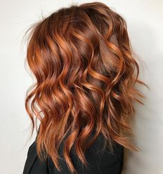 Balayage hair copper, Copper hair, Hair color, Hair color Balayage hair, Hair cuts - RG salon ・・・ It& not a party till the redhead shows up! Hair Color 2018, Ombre Hair Color, Hair Color Balayage, Auburn Balayage, Balayage Hairstyle, Haircolor, Copper Hair Colour, Lob Ombre, Easy Hairstyle