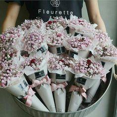 23 Clever DIY Christmas Decoration Ideas By Crafty Panda Bouquet Box, Bouquet Wrap, Diy Bouquet, Bouquets, Flower Box Gift, Flower Bar, Dried Flowers, Paper Flowers, Single Flower Bouquet