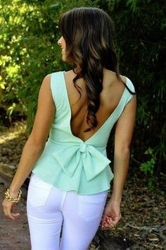 RESTOCK:Forever And Always Top: Mint Green (And I'm not a bow person, but this is cute! Passion For Fashion, Love Fashion, Spring Fashion, Fashion Beauty, Fashion Outfits, Womens Fashion, Fashion Styles, White Skinnies, White Jeans