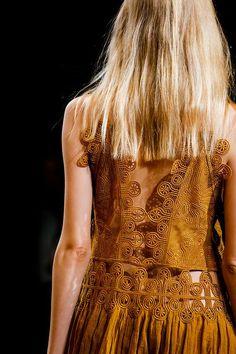 Chloé Spring 2015 Ready-to-Wear Fashion Show Details Couture Fashion, Runway Fashion, High Fashion, Fashion Show, Weird Fashion, Fashion News, Fashion Models, Fashion Trends, Chloe Paris