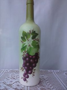 Custom hand painted/designed decorative wine bottle for centerpieces in home decor, vases, or to an extra touch of color in the room Painted Glass Bottles, Lighted Wine Bottles, Glass Bottle Crafts, Wine Bottle Art, Wrapped Wine Bottles, Wine Bottle Centerpieces, Hand Painted Wine Glasses, Bottle Painting, Room
