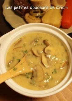 When I gave you the recipe for my grandmother's pot au feu, I told you that I was serving this dish with a white mushroom sauce. I find that this sauce is perfect to accompany … Healthy Dinner Recipes, Cooking Recipes, Marinade Sauce, Sauce Crémeuse, Cordon Bleu, Beignets, Pumpkin Recipes, Sauce Recipes, Soups And Stews
