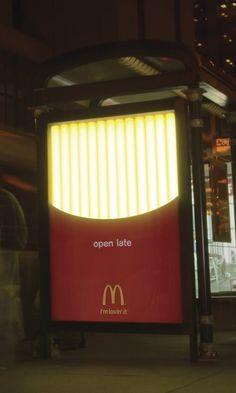 Smart public transit shelter advertising for McDonald's by Leo Burnett Chicago. Guerrilla Advertising, Guerilla Marketing, Creative Advertising, Print Advertising, Print Ads, Marketing And Advertising, Advertising Ideas, Creative Poster Design, Creative Posters