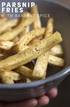 A New Take on an American-Classic: Parsnip Fries - The Cutting Board by Green Chef Fall Recipes, New Recipes, Vegan Recipes, Favorite Recipes, Vegan Food, Steamed Vegetables, Veggies, Vegane Rezepte