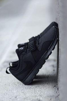 vistale: Triple Black Nike SB Trainerendors #nikewomenrunningshoes