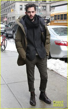 Penn Badgley knows how to dress