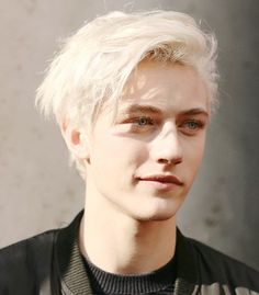 A rare smile for V. (Lucky Blue Smith is the perfect face for this character and I'm so happy about it. Prepare for beautiful light blond, blue-eyed spam in your feed). Lucky Blue Smith, Beautiful Boys, Beautiful People, Male Face, Handsome Boys, Cute Guys, Pretty People, Character Inspiration, Male Models