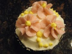 drop flowers cupcake (Fall/13)