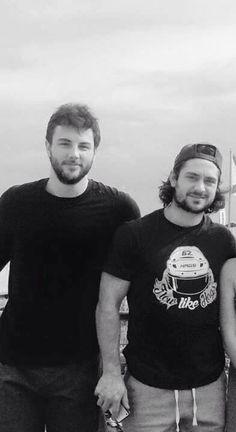 Did you notice how Zuccs is wearing a Hagelin T-shirt Hockey Boards, Rangers Hockey, Wayne Gretzky, New York Rangers, Under Pressure, Hockey Players, Ice Hockey, Nhl, My Boys