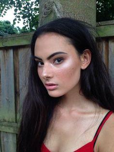 Strobing / natural look. Dewy Skin, Face Skin, Face And Body, Makeup Goals, Makeup Inspo, Makeup Inspiration, Makeup Ideas, Fresh Face Makeup, Full Face Makeup