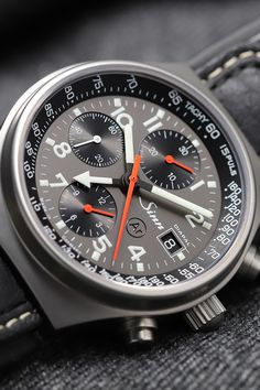 Stylish Watches, Luxury Watches For Men, Bar Shed, Android Phone Wallpaper, Man Fashion, Wristwatches, Chronograph, Omega Watch, Jeep
