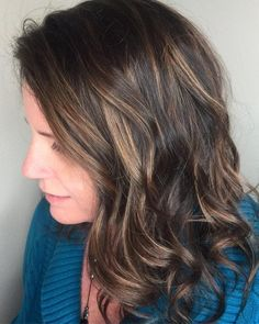 Say hello to dimensional, natural-looking highlights for your brunette mane! Take a look at these most popular dark brown balayage hair colors to try now! Brown Hair Color Shades, Brown Hair Colors, Light Brown Hair, Dark Hair, Latest Hairstyles, Straight Hairstyles, Dark Brown Balayage, Brown Blonde, Chestnut Brown Hair