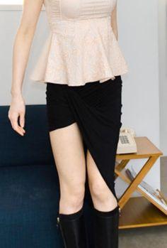 unbalance line skirt from Kakuu Basic. Saved to Kakuu Basic Skirts. Shop more products from Kakuu Basic on Wanelo. Seoul Fashion, Korean Street Fashion, Online Fashion Stores, Korean Outfits, Fashion Brand, Bag Accessories, Fashion Looks, Ballet Skirt, Street Style