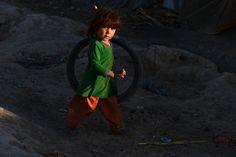 24.11 Un enfant afghan dans la ville de Kandahar.Photo: AFP/Jawed Tanveer