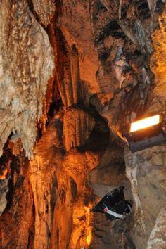 Türkiye Cumhuriyeti Isparta Valiliği  ZİNDAN MAĞARASI Antalya, Caves, Beautiful Places, History, Colors, Amazing, Painting, Historia, Painting Art
