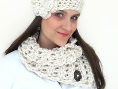 York County Cowl Scarflette with Super Chunky Cream Yarn or Pick Your Color and Dark Brown Pattern Buttons