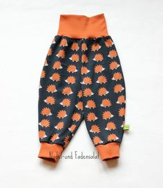 Cute Baby Harem Pants for Boys and Girls with cool Hedgehog Print! This Baby Harem Pants ist made of very comfortable Jersey and offers enough Space for Diapers. These Harem Pants are the perfect pant for sleeping, playing, crawling, cruising, and walking around.  The Hedgehog Harem Pants is available in different Sizes, please choose your favorite one!  do you prefer Foxes? https://www.etsy.com/de/listing/398413557/babyhose-fuchse?ref=shop_home_active_14  9...
