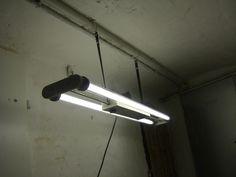 Industriedesign,Neonlampe,Fabriklampe,Industrielampe,alte Alu Lampe,Bakelit,70er
