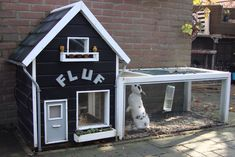 Het dierenwinkeltje- Konijnenhok. / Rabbit Hutch.