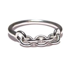 Super cool and modern sterling silver chain ring. The back of the ring is solid round wire, but the chain front moves. Each link is approximately 5mm.The sterling silver wire is 14g round wire.