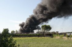 Beccato mentre incendia rifiuti, arrestato algerino a cura di Redazione - http://www.vivicasagiove.it/notizie/beccato-mentre-incendia-rifiuti-arrestato-algerino/