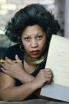 20 Timeless Toni Morrison Quotes That Will Always Stay With You Bluest Eye, Oprah Winfrey Show, Most Famous Quotes, Find A Book, Black Authors, Toni Morrison, Vintage Black Glamour, Writers And Poets, Meaning Of Love