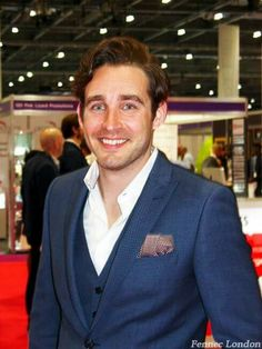 The man who knows how to sell, author, business coach and speaker, the amazing Phil M Jones @philmjonesuk. Phil looks absolutely dashing in a silk pocketsquare from Scotch + Soda. #salesexpo2016 #sie2016 #dapper #dandy #suitup #gent #gentleman #menstyle #fashion #fashionblogger #menswear #pocketsquare #menwithclass #businessman #author #business #luxurystyle #styleblogger #styling #style #look #outfit #londoner #chic #greatday #designer #men #mensfashion #instacool #instafashion #instamoment