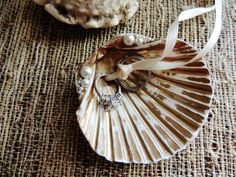 Seashell Shell Ring Bearer Bowl Dish Wedding Ring Holder Pillow